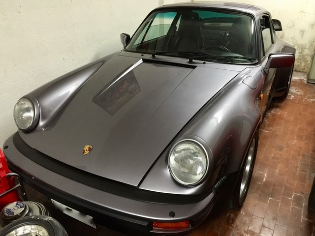 Porsche 911 3.3 Turbo 930